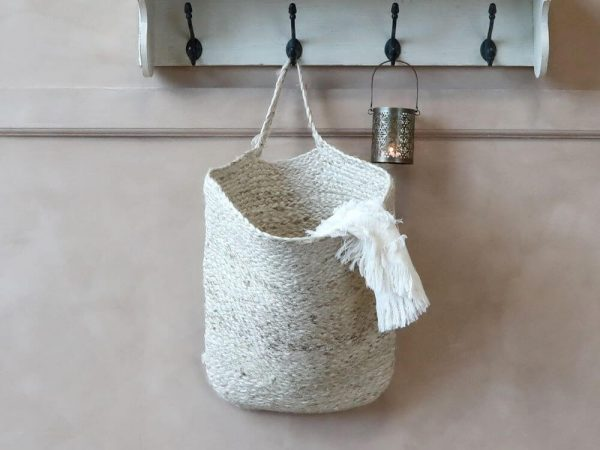 Basket hanging with a throw