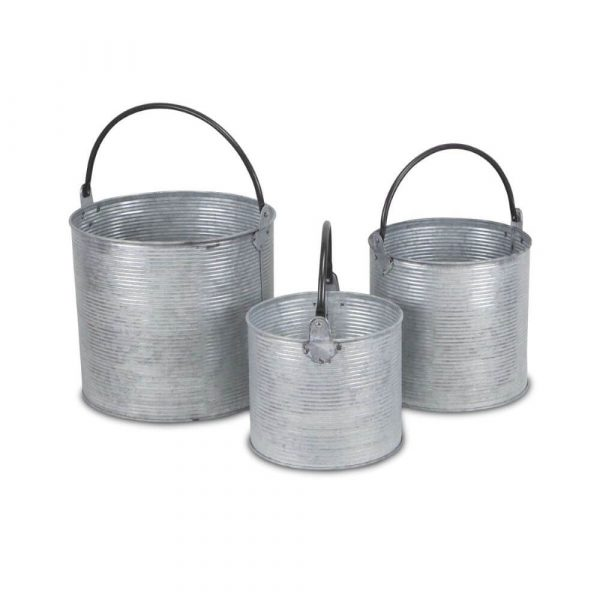 3 matching buckets of differing sizes