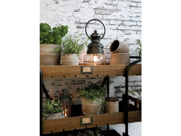 Display of pots with the lantern switched on and included