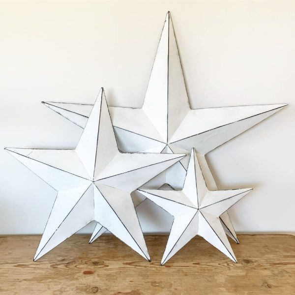 5 point 3d white metal star with darker distressed outlines along lines of star