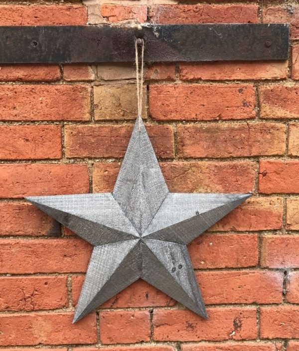 3 pint rustic grey wooden star hanging on a rope